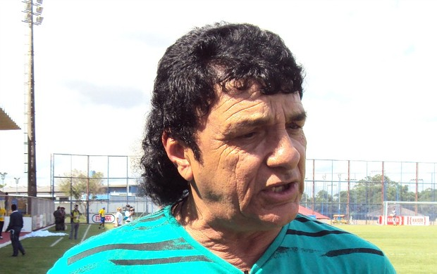 Técnico do Rio Negro, Iane Geber, disse que entrou em campo para não deixar o time no vácuo (Foto: Adeilson Albuquerque/GLOBOESPORTE.COM)
