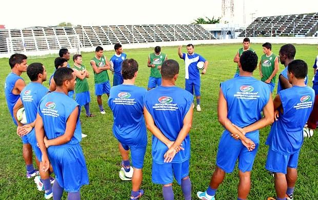 Delmo é o novo técnico do São Raimundo=24-02-2012 (Foto: Anderson Silva/Globoesporte.com)
