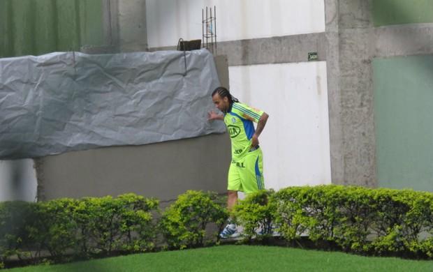 Wesley na Academia de Futebol do Palmeiras (Foto: Daniel Romeu / Globoesporte.com)