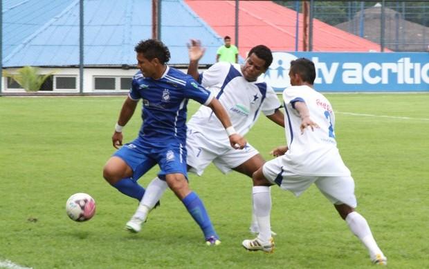 Penarol jogou no regulamento para continuar na liderança do campeonato (Foto: Frank Cunha)