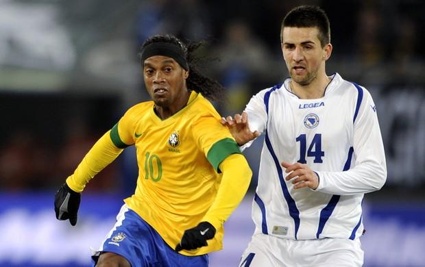 ronaldinho gaúcho brasil x bósnia (Foto: AFP)