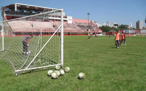 Jogarores do Guarani-MG se reapresentaram nesta terça-feira (Foto: Cleber Corrêa/GLOBOESPORTE.COM)
