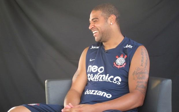 Adriano entrevista Corinthians (Foto: Carlos Augusto Ferrari / Globoesporte.com)