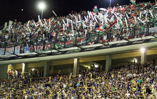 Torcida Fluminense Bomboniera (Foto: Rricardo Ayres / Photocâmera)