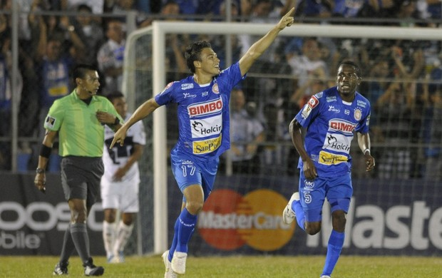 Metapán 2 x 1 Pumas, Champions da Concacaf (Foto: EFE)