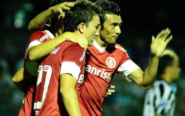 Dátolo gol Internacional (Foto: Wesley Santos / Futura Press)