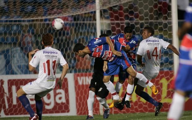 Fortaleza x Itapipoca pelo Campeonato Cearense 2012 2 (Foto: Natinho Rodrigues/ Agência Diário)