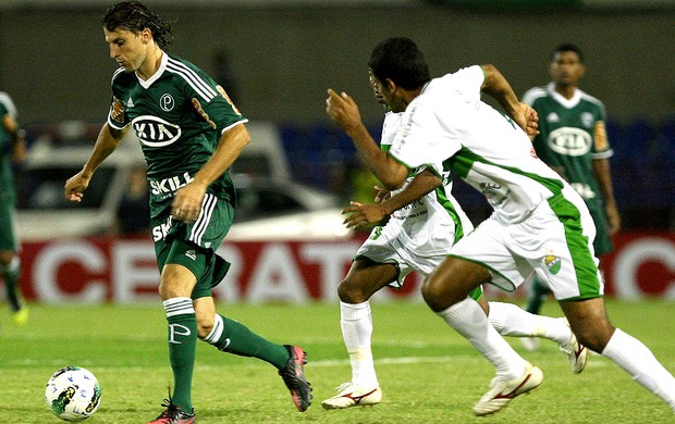 Henrique na partida do Palmeiras contra o Coruripe (Foto: Ag. Estado)