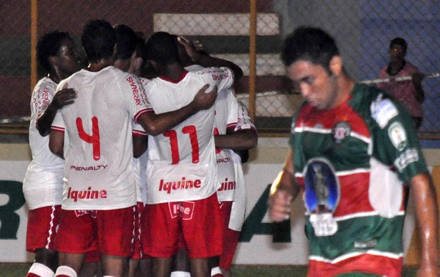 Jogadores gol Náutico (Foto: Frankie Marcon / Ag. Estado)