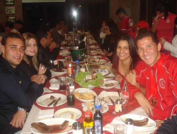 Renan e Fabiano Eller no jantar dos jogadores do Inter (Foto: Richard Souza/GLOBOESPORTE.COM)