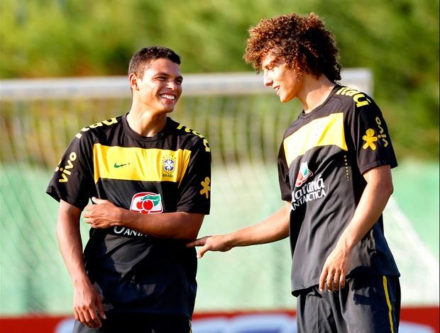 Thiago Silva e David Luiza da Seleção. Brasil treino em Barcelona