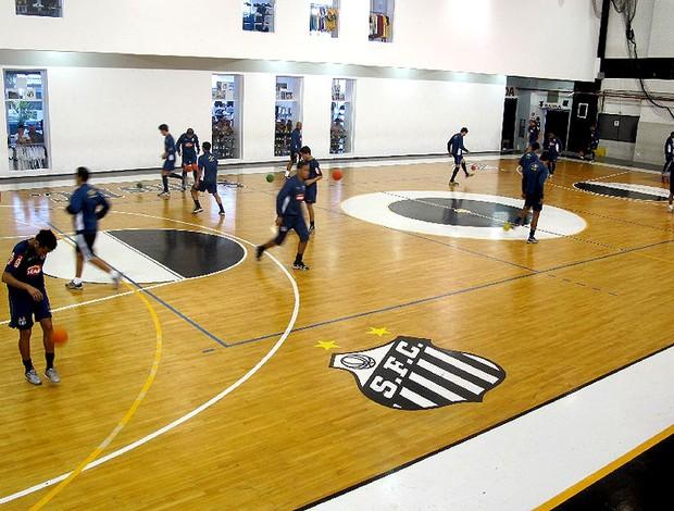 Treino do Santos na quadra de futsal
