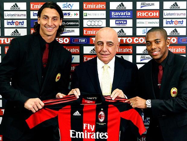 Robinho e Ibrahimovic apresentados no Milan