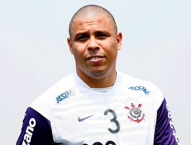 Ronaldo no treino do Corinthians