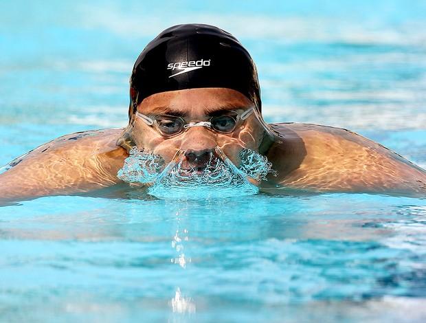 Felipe França durante a prova dos 200 metros peito