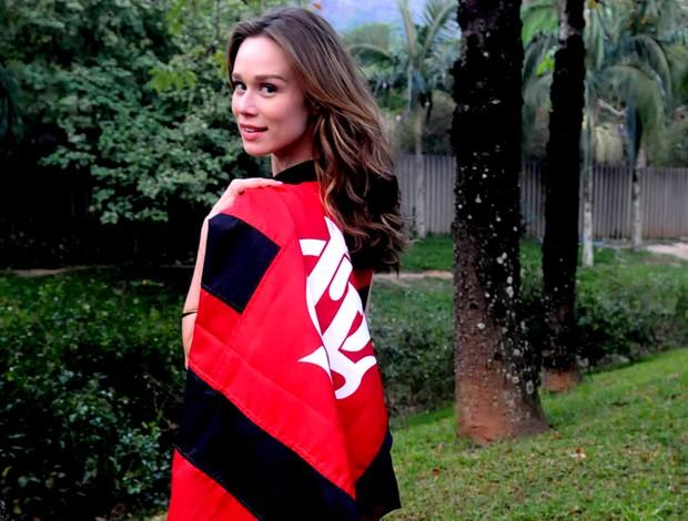 mariana ximenes camisa flamengo