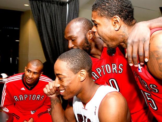 basquete Leandrinho Barbosa, DeMar DeRozan, Reggie Evans and Amir Johnson toronto raptors