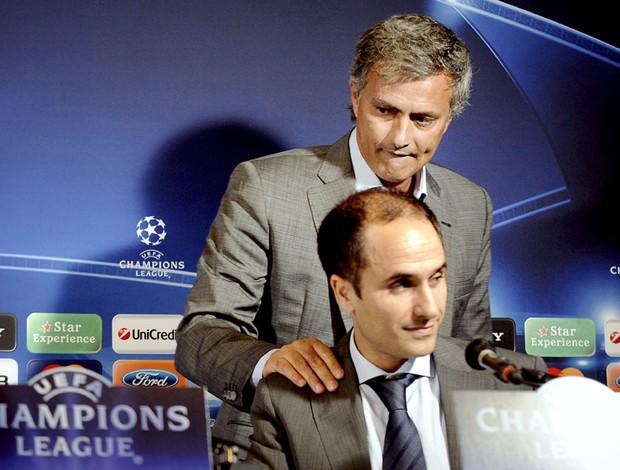 Mourinho abandona coletiva