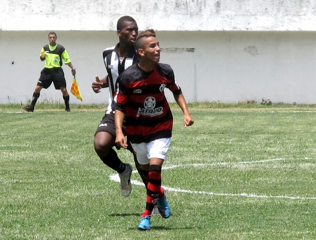 Rafinha, atacante do juvenil do Fla