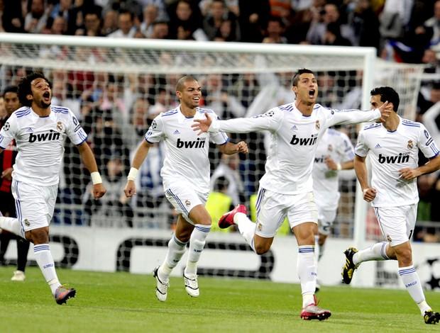 cristiano ronaldo comemora gol do real madrid contra o milan