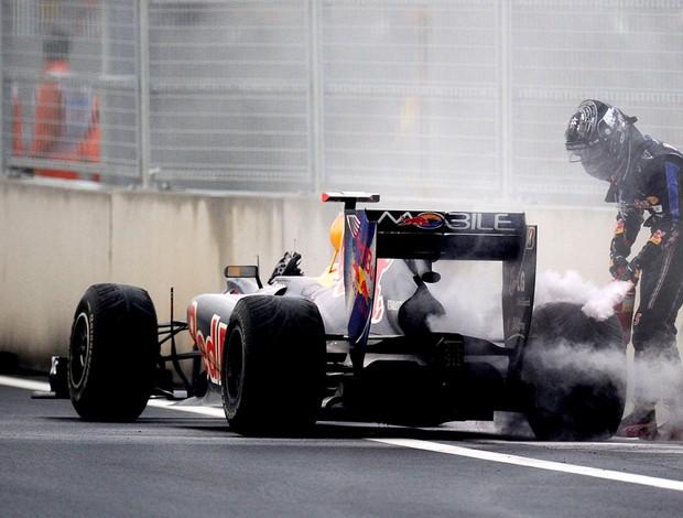 carro vettel motor estourado gp da coreia do sul (Foto: agência Getty Images)