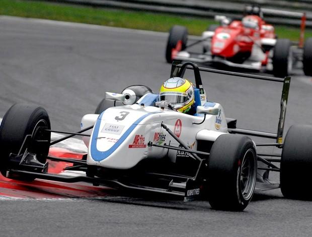 Cesar Ramos é campeão da F-3 Italiana e vai testar Ferrari em dezembro