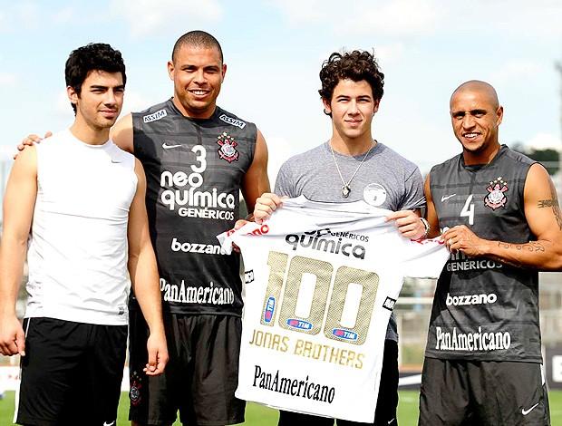 Jonas Brothers Ronaldo Roberto Carlos Corinthians