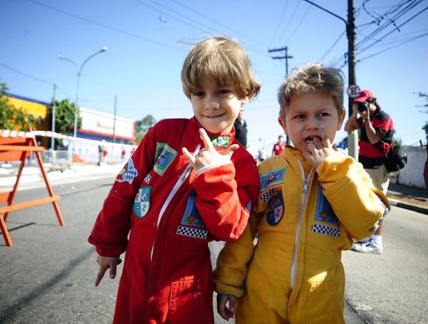 Crianças em Interlagos