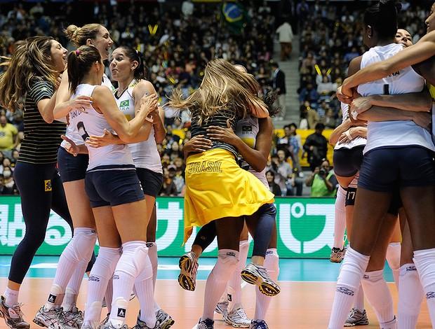 vôlei  brasil comemoram mundial de vôlei