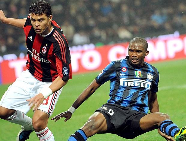 Thiago Silva na partida do Milan contra o Inter de Milão (Foto: EFE)
