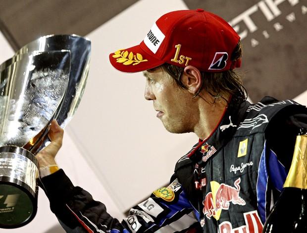 sebastian Vettel RBR do gp de Abu Dhabi troféu