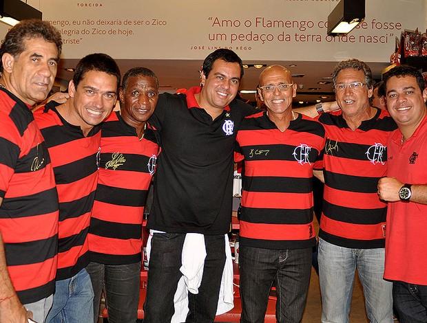 e7ac834dac Ídolos promovem camisa comemorativa do tri estadual de 79 ...