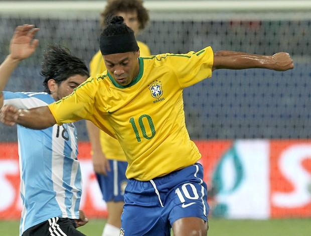 Ronaldinho Gaúcho na partida entre Brasil e Argentina