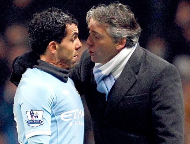 Tevez discute com técnico Mancini Manchester City