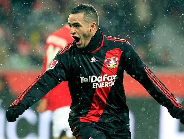 Renato Augusto na partida do Bayer Leverkusen contra o FC Cologne (Foto: Reuters)