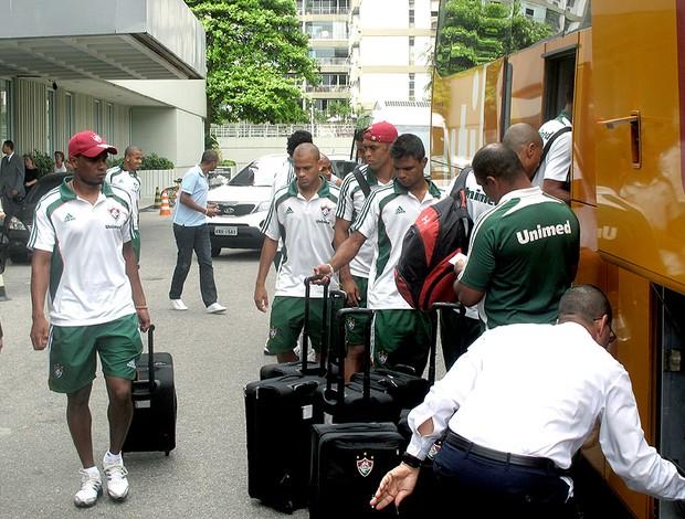 jogadores do Fluminense deixam hotel da concentração