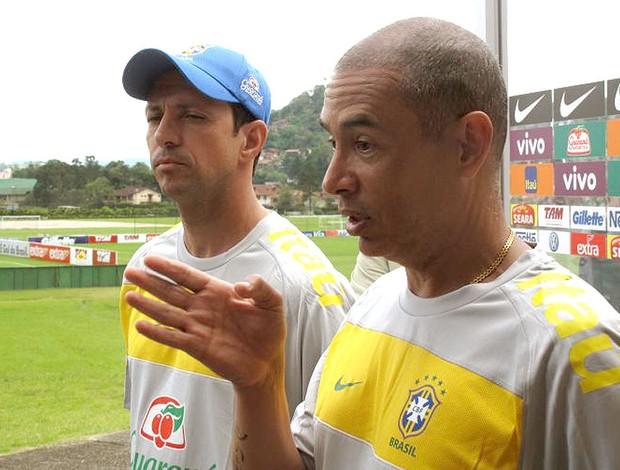 Altamiro Bottino no treino da seleção sub-20 com Alexandre Lopes