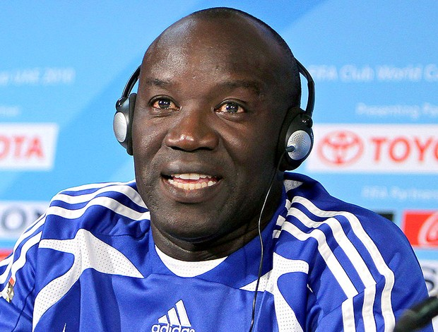 Lamine N'Diaye, técnico do Mazembe, durante coletiva