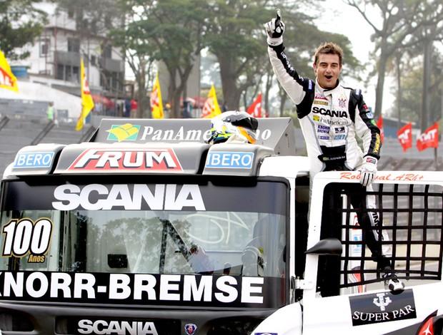 Roberval Andrade, piloto do Corinthians, é campeão de Fórmula Truck