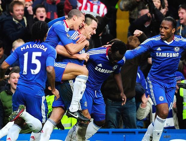 John Terry comemora gol do Chelsea contra o Aston Villa