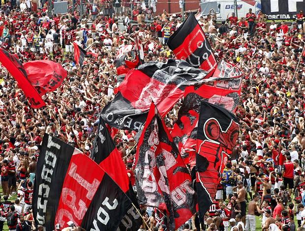 festa da torcida do Flamengo para Ronaldinho