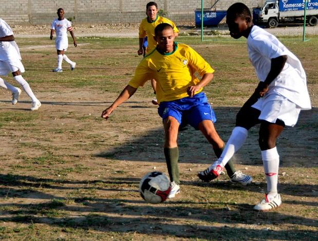 jogo de futebol haiti exército brasileiro