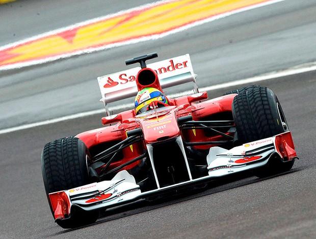 Massa faz testes com o novo carro da Ferrari