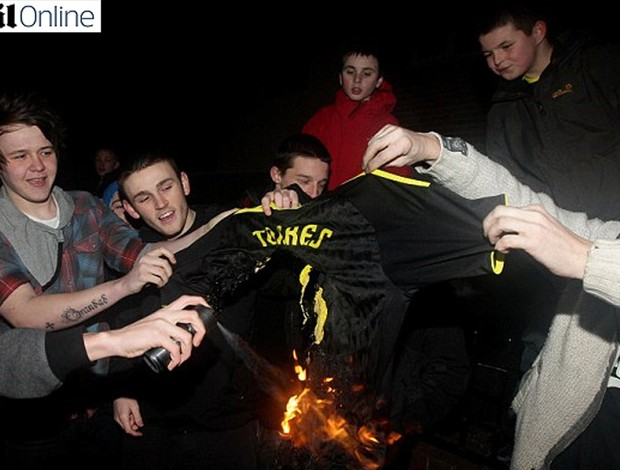 fernando torres camisa queimada