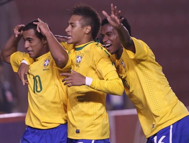 Seleção goleia Chile e lidera hexagonal (Mowa)