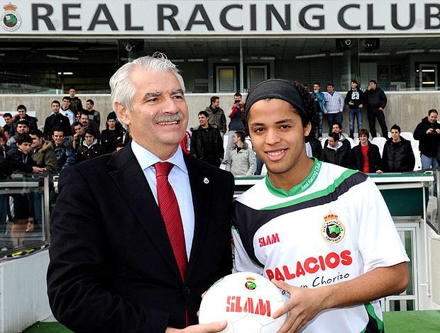 Giovani Dos Santos é apresentado no Racing