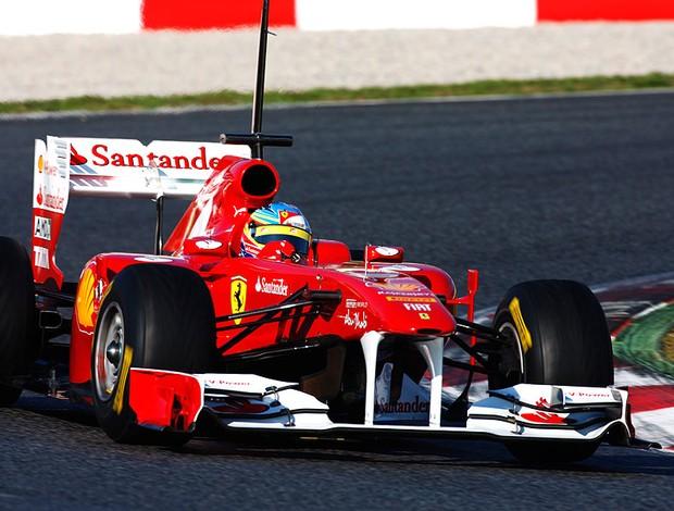 Alonso no teste da F1 em Barcelona (Foto: Getty Images)