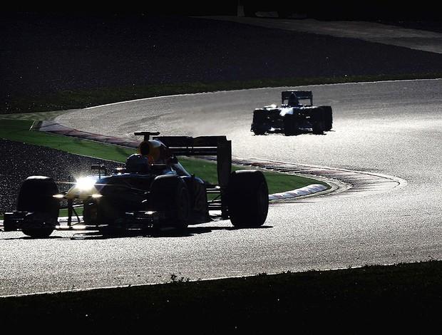 Vettel nos testes em Barcelona (Foto: Getty Images)