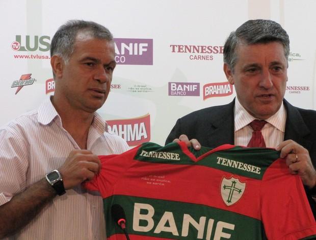 Jorginho com o presidente da Portuguesa, Manoel da Lupa (Foto: Marcelo Prado / GLOBOESPORTE.COM)