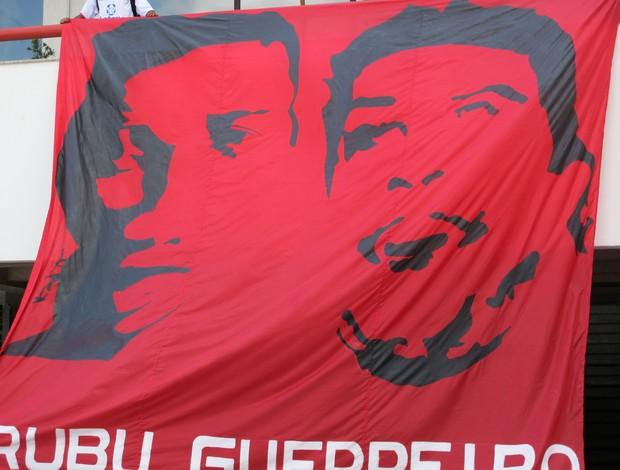 Bandeira de Assis Ronaldinho (Foto: Divulgação)